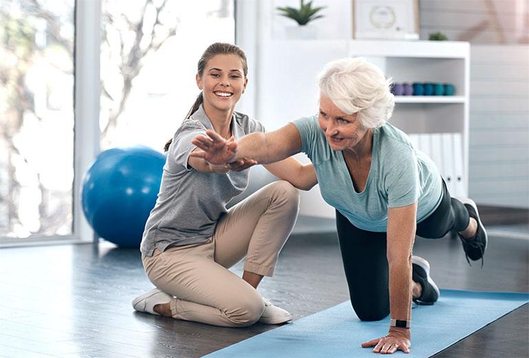 Vật lý trị liệu đóng vai trò rất quan trọng trong việc cải thiện khả năng vận động và phục hồi các tổn thương do bị chấn thương hay tai nạn giao thông