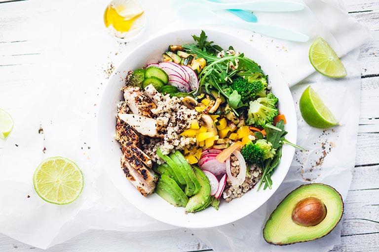 Ăn uống khoa học, bổ sung đủ chất dinh dưỡng cho cơ thể