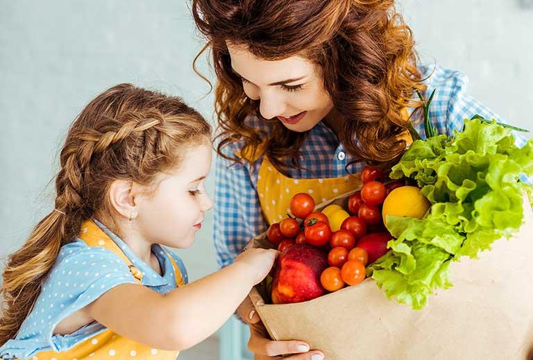 Thay đổi chế độ dinh dưỡng giúp kiểm soát bệnh trào ngược dạ dày ở trẻ em