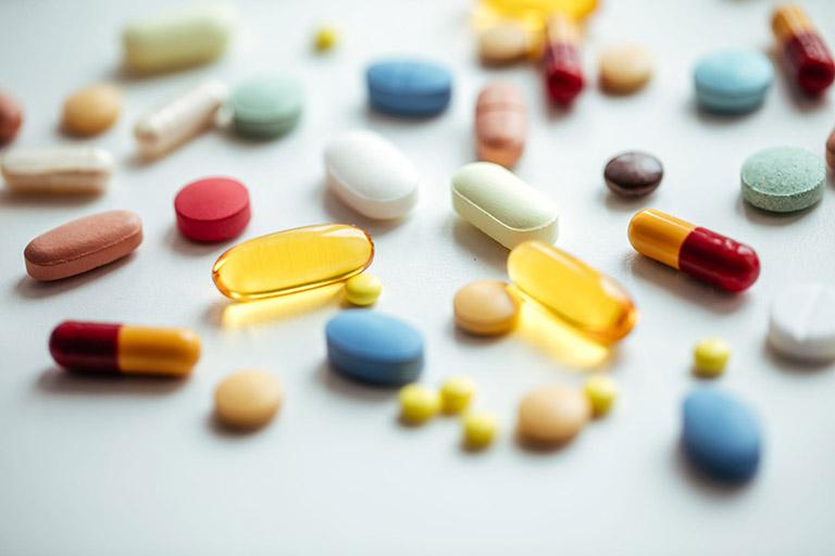 Chỉ được sử dụng thuốc Tây y giảm đau dạ dày cấp tốc khi được bác sĩ hoặc dược sỹ cho phép để phòng tránh một số tác dụng phụ không may xảy ra