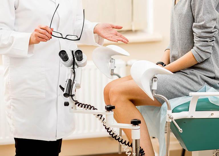 Thăm khám phụ khoa định kỳ để kịp thời phát hiện và điều trị những bệnh lý liên quan