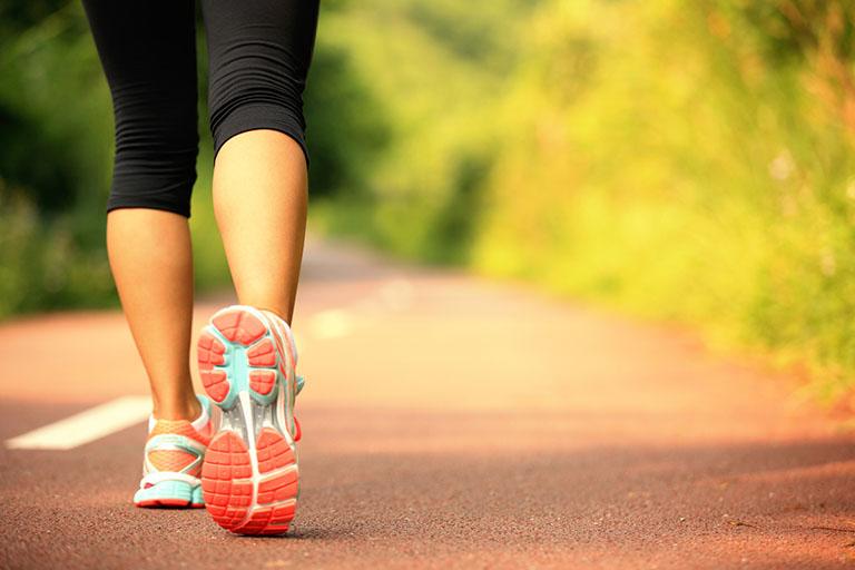 tập luyện khắc phục chứng tê bì tay chân