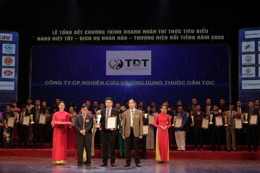 Trung tâm Thuốc dân tộc nhận giải thưởng: Hàng Việt tốt - Dịch vụ hoàn hảo - Thương hiệu nổi tiếng