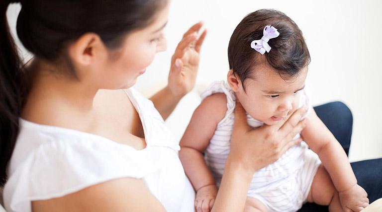 Vật lý trị liệu lấy đờm cho trẻ sơ sinh là gì?