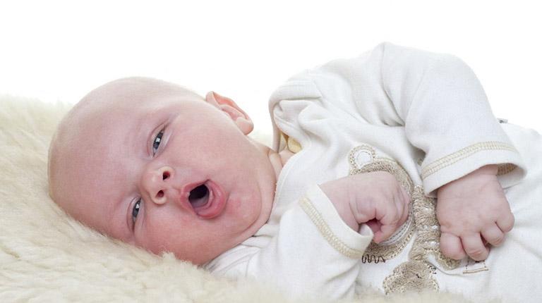 Khi nào nên thực hiện vật lý trị liệu lấy đờm cho trẻ sơ sinh?