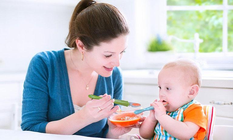 Một số lưu ý trong điều trị viêm loét dạ dày cho trẻ em