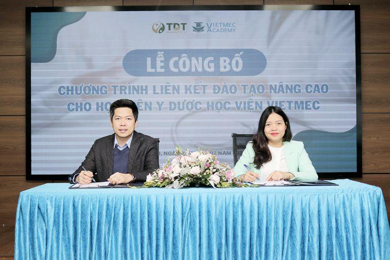 Trung tâm Thuốc dân tộc hợp tác đào tạo nâng cao cho học viện Y Dược của Học viện Vietmec