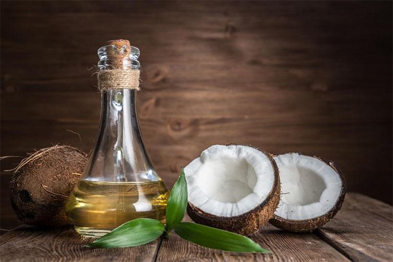 Tinh dầu dừa là thành phần có trong kem trị rạn da Gerber Krem có tác dụng tăng cường độ ẩm cho da và phòng ngừa da bị nứt nẻ