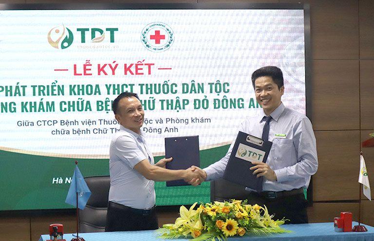 CTCP Bệnh viện TDT ký kết hợp tác với Phòng khám chữa bệnh Chữ thập đỏ Đông Anh