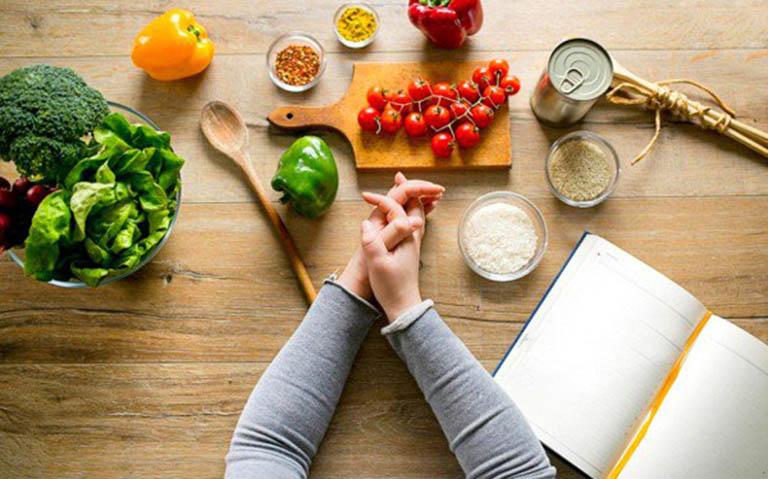 Chế độ ăn uống, sinh hoạt cho người bệnh