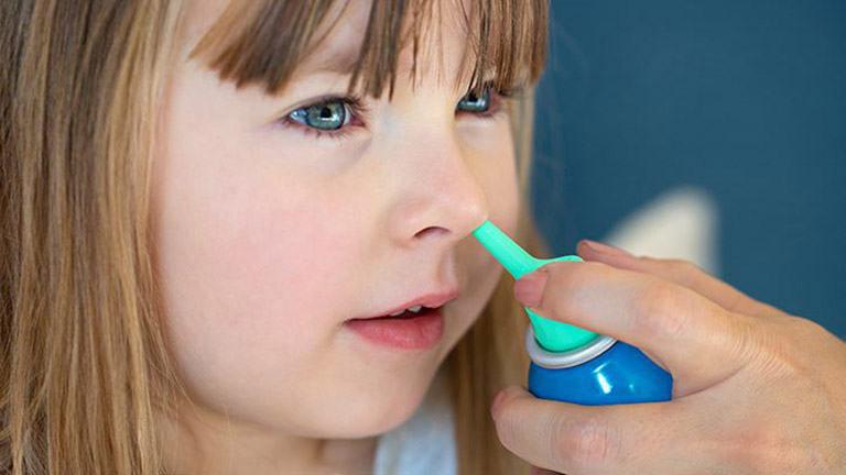 Trẻ bị ho khan điều trị như thế nào?