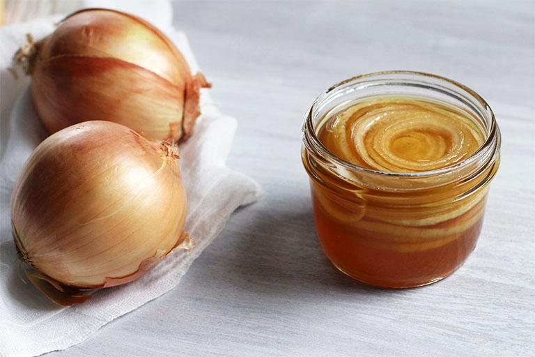 Hành tây không chỉ dùng làm thực phẩm mà còn được tận dụng để nấu thành siro trị ho tiêu đờm cho trẻ nhỏ