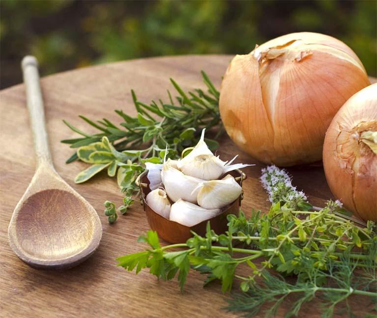 Trị ho tiêu đờm bằng siro tự nấu tại nhà từ các nguyên liệu thiên nhiên chỉ mang tính chất hỗ trợ điều trị bệnh, phù hợp cho các trường hợp mắc bệnh ở mức độ nhẹ hoặc chớm nở