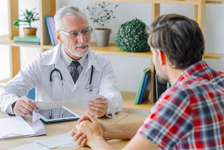 Trao đổi với bác sĩ chuyên khoa nếu có định điều trị bệnh viêm xoang bằng cây bạc đầu