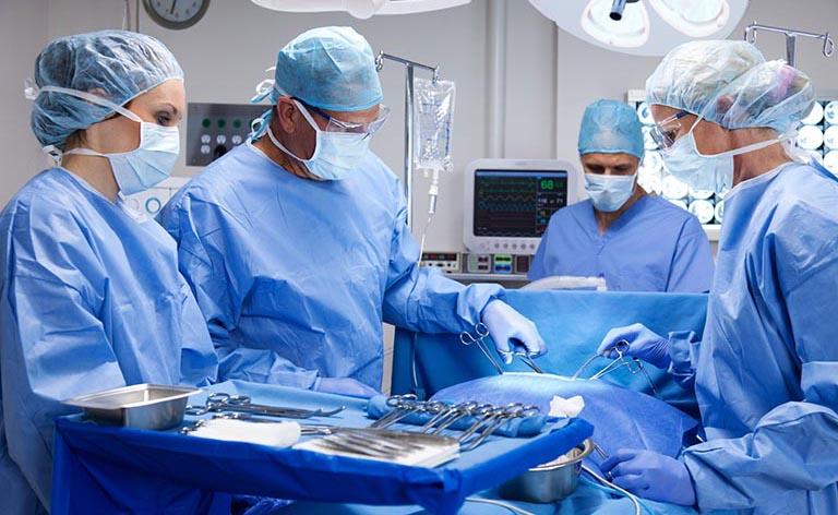 phẫu thuật chữa ho khan tức ngực