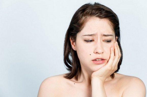Đau răng có thể dẫn đến hiện tượng bị sưng má
