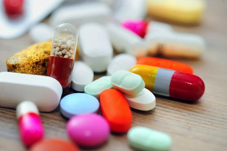 Sử dụng thuốc kháng sinh giảm đau giúp giảm nhanh triệu chứng bệnh