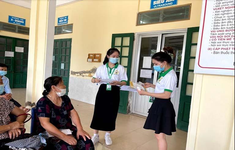 Buổi thăm khám, kiểm tra sức khỏe được đông đảo nhân dân quan tâm