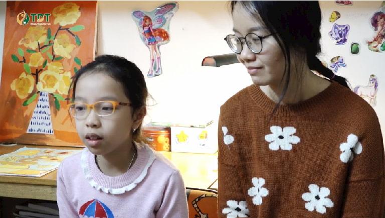Hình ảnh chị Lâm Thanh và bé Tùng Chi được ghi lại